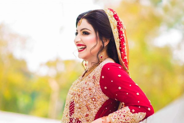 Pakistani Women HD image for designers and photo lovers on Pixel89